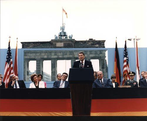 Brandenburg-Gate-Reugan